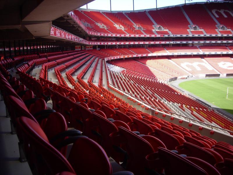 Est dio portugu s considerado o mais bonito da europa for Piso 0 estadio da luz