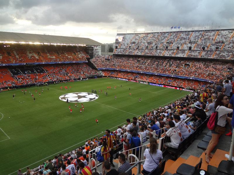 Crowd celebration Mestalla Stadium Valencia vs Barcelona Sep 2012 ...
