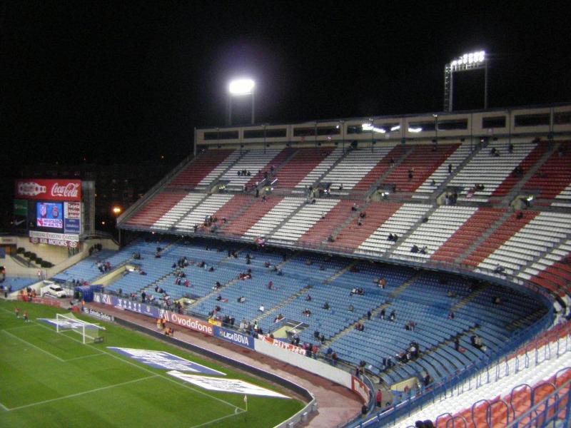 Estadio vicente calderon madrid the stadium guide for Puerta 6 estadio newells