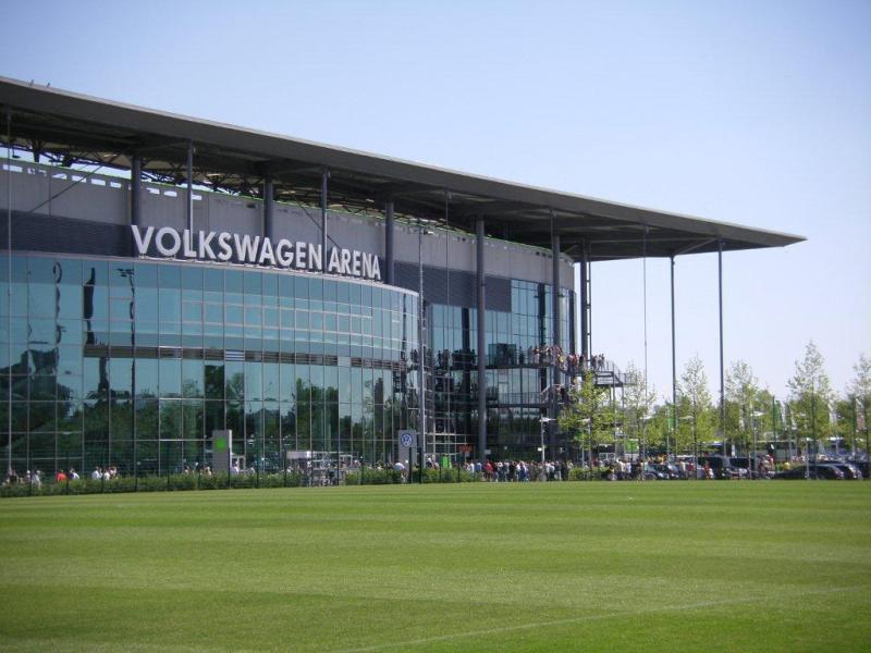 volkswagen arena wolfsburg the stadium guide. Black Bedroom Furniture Sets. Home Design Ideas