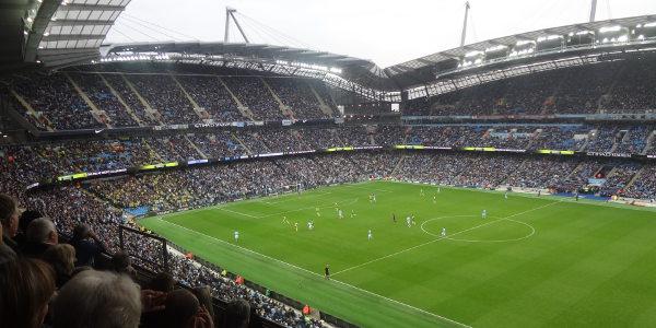 Resultado de imagem para manchester city etihad stadium 600x300